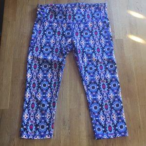 GapFit gfast 3/4 length leggings M